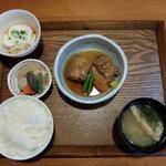季節料理 游心 - 料理写真:やわらか角煮定食(1,560円)税込み