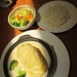 グラッチェガーデンズ - 料理写真:アボカドサラダ、ロールキャベツ、ライス