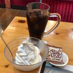 コメダ珈琲店 - 料理写真:クリームコーヒー520円(税込)