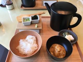金田中 草 - 鯛茶漬け