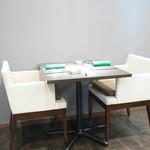 リベルタス - テーブル席