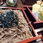 67648357 - 黒い蕎麦と天ぷら