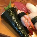 新富鮨 - まぐろ、甘エビ、梅しそ巻き