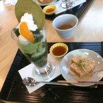 伊藤久右衛門 本店 - 抹茶パフェとわらび餅
