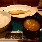 まぐろ一代 - 焼魚定食(鮭) 480円