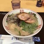 博多だるま - ラーメン756円