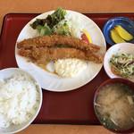 新港食堂 - 大海老フライ定食 1100円