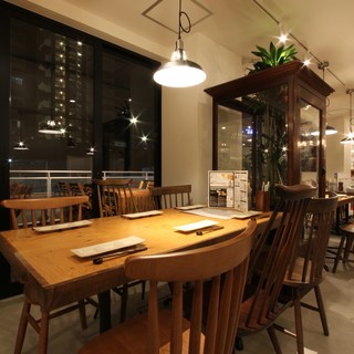 アンティーク照明&家具が織りなすおしゃれ空間!