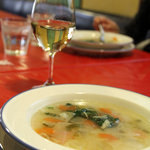 サイドウォーカー - スープ、ワイン。2011年2月撮影。