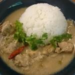 CAFE D-13、ときどき五味食堂 - 日替わりカレー(ホワイトカレー)