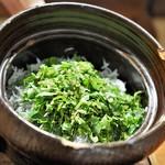傳 - 釜上げシラスの炊き込みご飯 赤出汁 香の物
