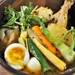 札幌ドミニカ - 特選チキン野菜カレー 具を前面に出した図