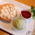 焼きたてチーズタルト専門店PABLO - ミニチーズタルト つぶつぶいちご×焼きマシュマロ