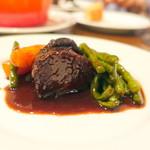 コム・ア・ラ・メゾン - 牛ホホ肉の赤ワイン煮込み3,400円+税+、シェア後