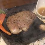 個室肉バル 29house 町田店 - 幻の乙女牛の溶岩焼き