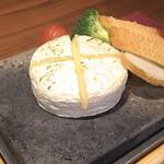 個室肉バル 29house 町田店 - カマンベールチーズ焼きを