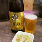雲林坊 - 「恵比寿ビール中瓶」(550円)とミニ麻婆丼セットのザーサイ