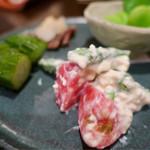 五明 ごみょ - 前菜盛り合わせ 1200円(へしこさば炙り、そら豆の塩茹で、旬野菜の白和え、きゅうりのぬか漬け)