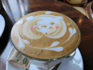 カフェ クラウディブラウン