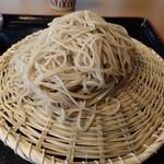 67673265 - 逆さ笊に盛り付けた蕎麦