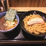 67673533 - つけ麺(あつ盛)880円