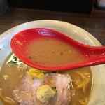 麺屋大河 - デフォルトの味噌ラーメンスープ 生姜のアクセントとコッテリしてない優しい味噌スープのバランスが絶妙です!食後 全く重さを感じさせない味噌ラーメン!