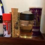 麺屋大河 - 一味・七味・酢・コショウ