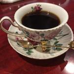 67676329 - 猫足付きのカップ、麝香猫だから⁉️