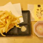 Shiroebitei - 「きときとセット」(1200円)の白えび天ぷらと「白えび刺身小皿単品」(800円)