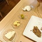 ワインバー ハル - チーズ3種