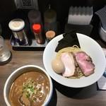 67687646 - 特製豚骨魚介つけ麺1100円