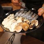 ファイヤーホール 陳 - 火鍋 蛤、牡蠣、海老