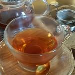 つばら つばら - セットの紅茶
