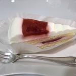 ティーラウンジ カーニャ - 料理写真:ストロベリーケーキ