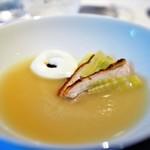 レフェルヴェソンス - 温もり〜 新玉葱のスープ、川俣シャモと月山筍、発酵クリームと甘海老のカラメル