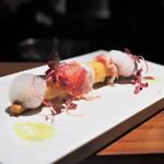 TACUBO - ホワイトアスパラガスのベニエとそのソース 生ハム添え ふきのとうの泡