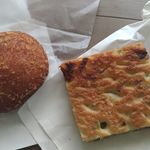 ディーン&デルーカ ホームキッチン&ベーカリー - キーマパン、豆フォカッチャ