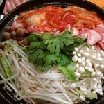 海楽 - キムチ鍋