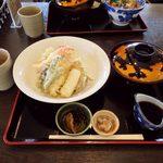 おーしゃん食堂 - お〜しゃん食堂(海鮮天丼(黄金))