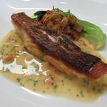 レストラン タケウチ - 真鯛のポワレにラタトゥイユと酸味のあるバターソースのマリアージュ