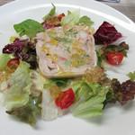 レストラン タケウチ - 鶏もも肉とブロッコリーとエビのテリーヌ