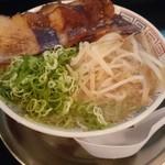 67698296 - 炙りトロ肉チャーシュー麺
