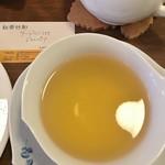 紅茶日和 - 金色の様な色のファーストフラッシュでした