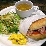 THE CAFE - パニーニプレート¥860