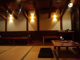 榮料理店 - 店内(奥の座敷席)