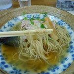 きくや - 冷たい中華そば(麺リフト)