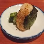串焼き 鳥吉 - 焼きおにぎり(250円+税)