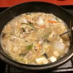 いろり - 料理写真:信州味噌仕立ての山菜鍋