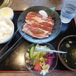 安楽亭 - ファミリーカルビランチ ¥500-