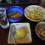 67711259 - 定食につくお惣菜たち